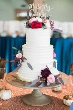 Wedding Cake Inspiration - Photo: Juliet Young Photography