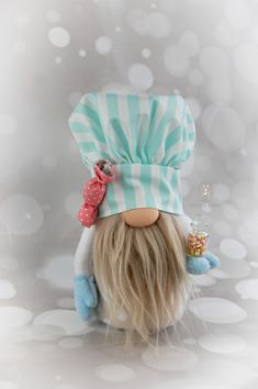 Adorable little gnome in candy colours with his own glass jar filled to the brim with tasty sweet treats. Primitive Christmas Decorating, Christmas Crafts, Diy Arts And Crafts, Fun Crafts, Gnome Garden, Fabric Dolls, Sweet Treats, Farmhouse, Crafty