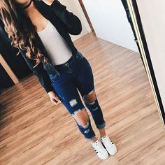 High School Outfits 33 awesomely cute back to school outfits for high school High School Outfits. Here is High School Outfits for you. High School Outfits cute back to school outfits for high school schooloutfits. High School O. Komplette Outfits, Jean Outfits, Trendy Outfits, Winter Outfits, Summer Outfits, Fashion Outfits, Scene Outfits, Outfits With Dark Jeans, Spring School Outfits
