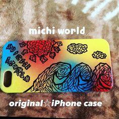 【michy.art】さんのInstagramをピンしています。 《iPhone case☆original 透明なハードケースを色をつけて 描いてみた✧‧˚ 物に描くのって 紙に描くよりも ドキドキ わくわくするね¨̮⑅* #okinawaart#iPhonecase#originalart#okinawan#originaliPhone#colorful#tree#sea#surfboard#surf#aloha#mahalo #沖縄楽描き#沖縄#オリジナルイラスト#ハードケース#海#波#ヤシの木#手