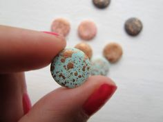 """Søgning for """"label/DIY"""" - Frkhansen. Fimo Clay, Polymer Clay Projects, Polymer Clay Earrings, Diy Earrings, Clay Crafts, Diy And Crafts, Clay Design, Homemade Jewelry, Ceramic Jewelry"""