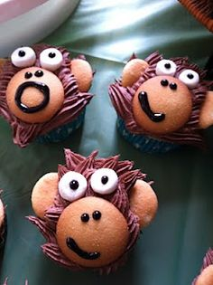 Monkey cupcake decorating idea