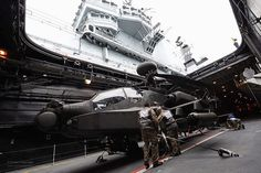 Army Air Corps Apache Helicopter is Lifted to the Flight Deck of HMS Illustrious | Flickr - 사진 공유!