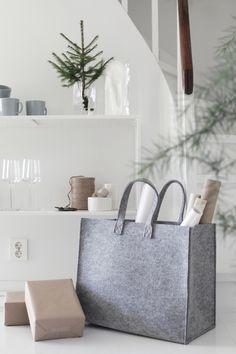 /annonse/ Iittala har et spennende utvalg produkter, og jeg har Norwegian Christmas, Christmass, Scandinavian Home, Furniture, Christmas Inspiration, Home, Interior, Home Deco, Home Decor