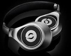Beats Executive Headphone - Monster continues to roll out new headsets from their Dr. Dre line with the brand new Beats Executive Headphone. The overall design of the Beats E. Dre Headphones, Over Ear Headphones, Beats By Dre, Brushed Metal, Still Life Photography, Noise Cancelling, Gentleman, Tech Gadgets, Toys