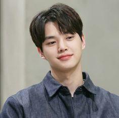 his smile tho 🥰 Song Kang Ho, Sung Kang, Asian Actors, Korean Actors, Korean Dramas, Yang Yang Actor, Best Kdrama, Park Seo Joon, Kim Sohyun
