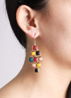 Picture Perfect Earrings $18.00