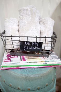 Michelle - Blog #Guest #Towels Fonte : http://theinspiredroom.net/2014/02/18/preparing-a-guest-room/