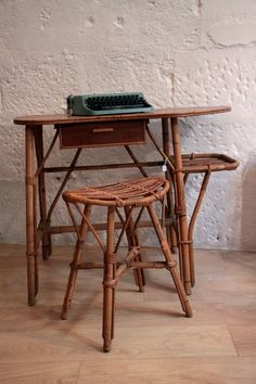 Coiffeuse meuble on pinterest table dressing coiffeuse ikea and coiffeuse - Tabouret coiffeuse ikea ...