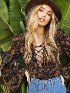 hippie outfits 157133474483369841 - Shop Lantern Sleeve Lace Up Plunge Neck Floral Top online. SheIn offers Lantern Sleeve Lace Up Plunge Neck Floral Top & more to fit your fashionable needs. Source by rophotodesignllc Mode Hippie, Bohemian Mode, Hippie Style, My Style, Hippie Tops, Boho Tops, 70s Fashion, Look Fashion, Fashion Outfits