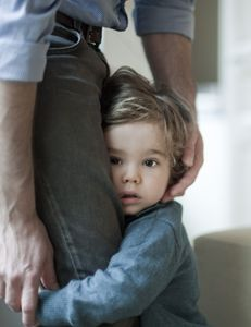 Άγχος αποχωρισμού: τι είναι και πώς εκδηλώνεται στα παιδιά;