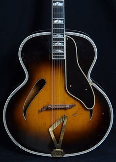 Here's something so rare that we haven't seen one before — a wonderful vintage top-of-the-line Gretsch Synchormatic sunburst archtop with a carved Learn Acoustic Guitar, Jazz Guitar, Guitar Strings, Cool Guitar, Gretsch, Guitar Tips, Could Play, Guitar Design, Playing Guitar