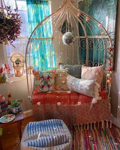 You'll adore this boho plan on the off chance that you have a small corner of room available. See your home as a quiet retreat with hanging swing, square single pouf, hanging a chandelier and multi-color rug and don't care to buy in also near one explicit style. This decor improving idea is the ideal blend of fun with hues that are picked admirably. Bohemian House, Bohemian Interior, Hippie Bohemian, Modern Bohemian, Boho Gypsy, Bohemian Living, Bohemian Theme, Hippie Home Decor, Diy Home Decor