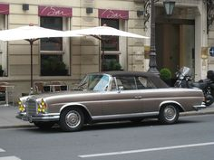 1969 Mercedes-Benz 280 SE cabriolet by Paris Espresso Apartments - Marais Montmartre, via Flickr
