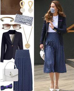 Looks Kate Middleton, Kate Middleton Outfits, Middleton Family, Dress Like A Parisian, Fashion Over Fifty, Prince William And Catherine, Princess Kate, Royal Fashion, Royals