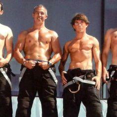 Hombres guapos y sexis: bomberos prenden fuego en España