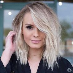 40 Best Messy Short Hairstyles Ideas for 2019 Short Blonde Messy Hair – Farbige Haare Messy Blonde Hair, Brown Blonde Hair, Short Blonde Balayage Hair, Blonde Lob With Bangs, Blonde Bob With Fringe, Blonde Hair Cuts Medium, Short Platinum Blonde Hair, Blond Bob, Long Bob Blonde