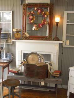 Changed up all the areas of our booth last week. The window has a new look. Painted Picture Frames, New Look, Entryway Tables, Farmhouse, Fall, Furniture, Home Decor, Autumn, Decoration Home