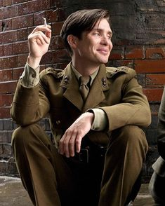"""That Friday feeling… Have a great weekend! · (Cillian Murphy as Wiliam Killic… That Friday feeling… Have a great weekend! · (Cillian Murphy as Wiliam Killick in """"The Edge of Love"""" · 🚬 Peaky Blinders Series, Cillian Murphy Peaky Blinders, Cillian Murphy Movies, Pretty Boys, Cute Boys, Pretty Men, The Edge Of Love, Peaky Blinders Wallpaper, Photographie Portrait Inspiration"""
