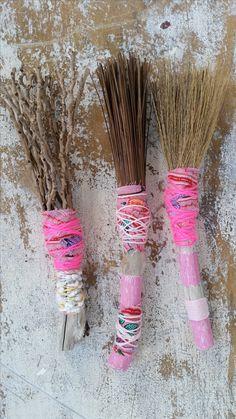 Handmade brushes for mark-making by Pam Thorne. www.pamthorne.com.au