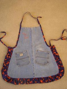 You have to see Jean Apron on Craftsy! - Looking for sewing project inspiration? Check out Jean Apron by member ConnieofHH. Jean Crafts, Denim Crafts, Apron Pattern Free, Apron Patterns, Quilt Patterns, Jean Apron, Cute Aprons, Denim Ideas, Sewing Aprons