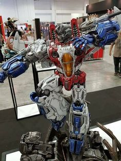 Transformers News: XM Studios Premium Collectibles Optimus Prime & Starscream Full Colour #STGCC17 Transformers Decepticons, Transformers Masterpiece, Transformers Toys, Optimus Prime, Gi Joe, Arte Robot, Gundam Art, Studios, Mecha Anime