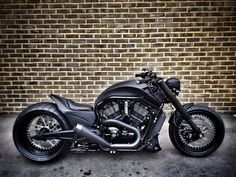 BLACK WIDOW V ROD  Coolest bike I've ever seen