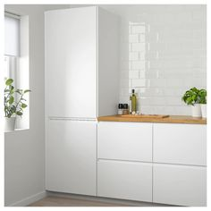 Ikea knoxhult white base cabinet with doors and drawer 3 – White N Black Kitchen Cabinets Ikea Ringhult, Voxtorp Ikea, Refacing Kitchen Cabinets, Kitchen Doors, Cabinet Refacing, Scandinavian Kitchen, White Doors, Cuisines Design, Black Kitchens
