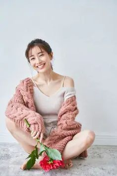 Eyeliner Tape, Asian Beauty, Korean Fashion, Girly, Poses, Celebrities, Style, People, Pattern Art