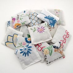 20 Dried Lavender Sachets Embroidered Sachets by ChaosToArt
