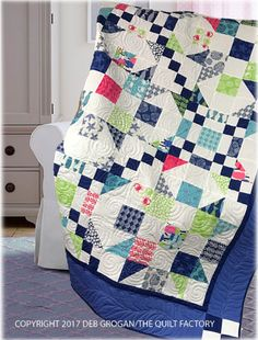 This quilt is made using simple half-square triangles and blocks. These simple traditional blocks come together to create secondary patterns within the finished blocks, as well as within the overall quilt. Finished measurements: x Star Quilts, Scrappy Quilts, Easy Quilts, Quilt Blocks, Mini Quilts, Patchwork Quilting, Quilting Fabric, Quilting Tips, Quilting Projects
