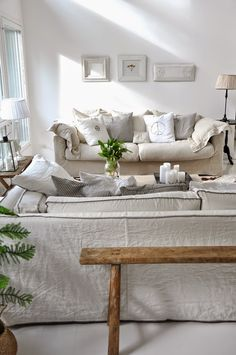 Love the slouchy slipcovers and the chalk paint picture frames Living Room Decor Cozy, My Living Room, Cozy Living, Living Area, Living Spaces, Boho Deco, Relax, Home And Deco, Home Fashion