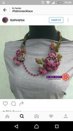 Diy Fabric Jewellery, Ribbon Jewelry, Ribbon Art, Diy Jewelry, Beaded Jewelry, Handmade Jewelry, Jewelry Making, Fabric Flower Necklace, Kanzashi Flowers