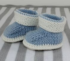 Baby 2 Colour Booties Knitting pattern by madmonkeyknits Baby 2 Colour Booties Knitting pattern by madmonkeyknits Knitting , lace processing is the single most beautiful hobbies. Baby Booties Knitting Pattern, Baby Shoes Pattern, Booties Crochet, Crochet Baby Shoes, Crochet Baby Booties, Baby Knitting Patterns, Free Knitting, Slippers Crochet, Knitting Socks