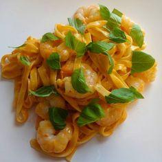 Edel's Mat & Vin : Kremet pasta med tigerreker & tomatpesto