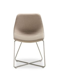 Krzesło Mishell. Projekt: Piotr Kuchciński