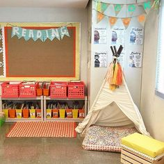 I love how @teach2reach has a tent in her classroom. I am sure her students love it! What do your students love in your classroom? #earlycorelearning
