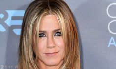 Jennifer Aniston Vows To Look Good In A Bikini At 80