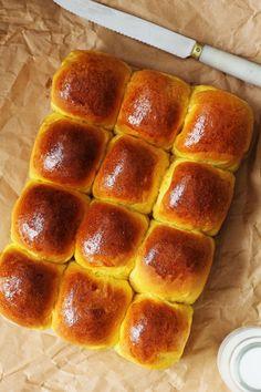 Kanela and Lemon: Scones condensed milk and pumpkin Milk Recipes, Gourmet Recipes, Bread Recipes, Sweet Recipes, Baking Recipes, Pan Dulce, Pan Bread, Bread Baking, Biscuits