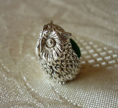 Solid sterling silver 925 tiny miniature OWL pin cushion (green cushion)