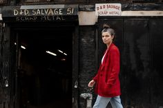 A Street Style with Monroe Alvarez - Atelier Doré Vintage Levi Shorts, Vintage Shirts, Women Friendship, Cool Necklaces, Love And Respect, Fashion Story, Skin Tight, Old Women, We The People