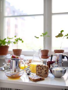 Breakfast | IKEA Livet Hemma – inspirerande inredning för hemmet Ikea Breakfast, Ikea Kitchen Accessories, Farm Life, Table Settings, Dining, Inspiration, Rooms, Spaces, Coffee