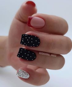 Still worrying about finding beautiful nail art? Check out the most popular nail art in winter. Too long nail art… Long Nail Art, Short Nails Art, Long Nails, Black And White Nail Art, Black Nails, White Nails, Black Nail Designs, Nail Art Designs, Garra