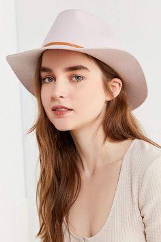 fbbda3b6bf 141 Best Hats images | Straw hats, Women hats, Women's hats