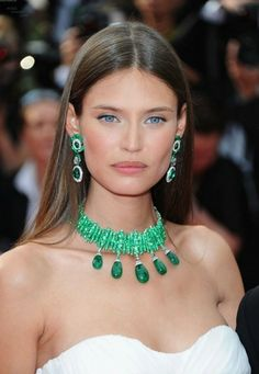 Bianca Balti For De Grisogono, some jewels awake some reactions, a tender bite? Bianca Balti, Emerald Necklace, Emerald Jewelry, Green Necklace, Diamond Necklaces, Beaded Necklaces, Turquoise, Mode Inspiration, Diamond Are A Girls Best Friend
