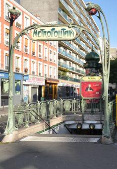 Paris, Métropolitain, Entrée de la station Avron, arch. Hector Guimard