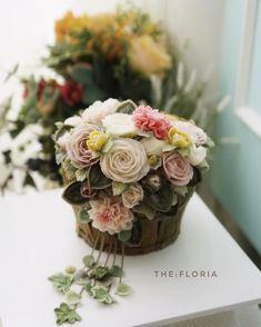 "260 Likes, 10 Comments - flower cake class (@the_floria) on Instagram: ""glossy butter cream flower cake flower basket Advanced course . #플라워케이크#플라워케익#버터크림플라워케이크…"""
