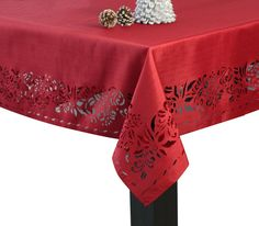 Assorted Sizes! Christmas Stars Red Signature Tablecloth