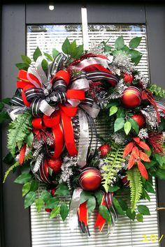 XL Holiday Wreath Red Christmas Wreath Red/Silver by LisasLaurels