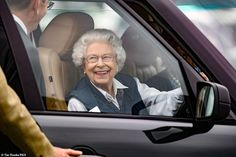 She's in the driving seat! Not wanting to miss any of the action, the Queen drove herself to the prestigious event, said to be her favourite of the year Angel Flight, Epsom Derby, Royal Uk, Uk History, Queen Pictures, House Of Windsor, Princess Anne, British Monarchy, Save The Queen